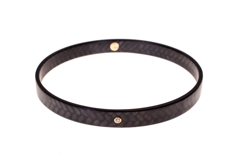 Diana Hall- Carbon finger bangle with diamond